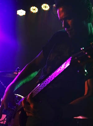 Keith Willey - bass, vocals